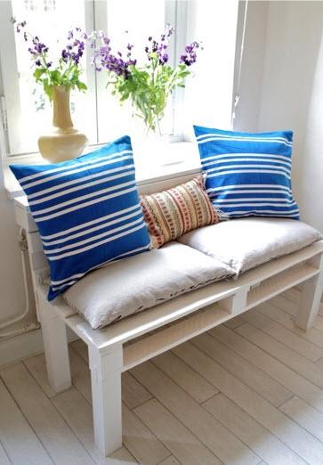 pallet sofa.jpg