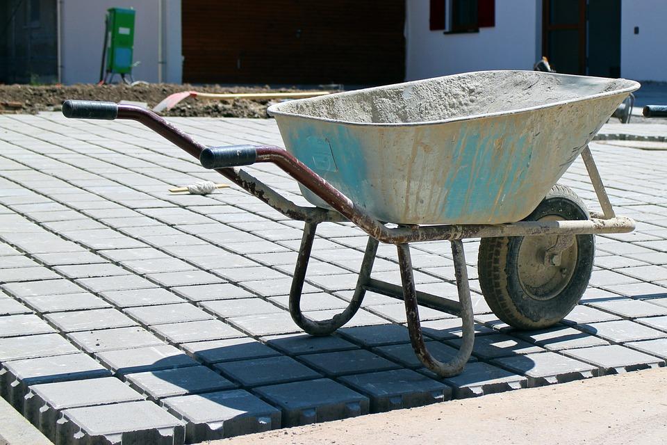 Wheelbarrowk-406200_960_720.jpg