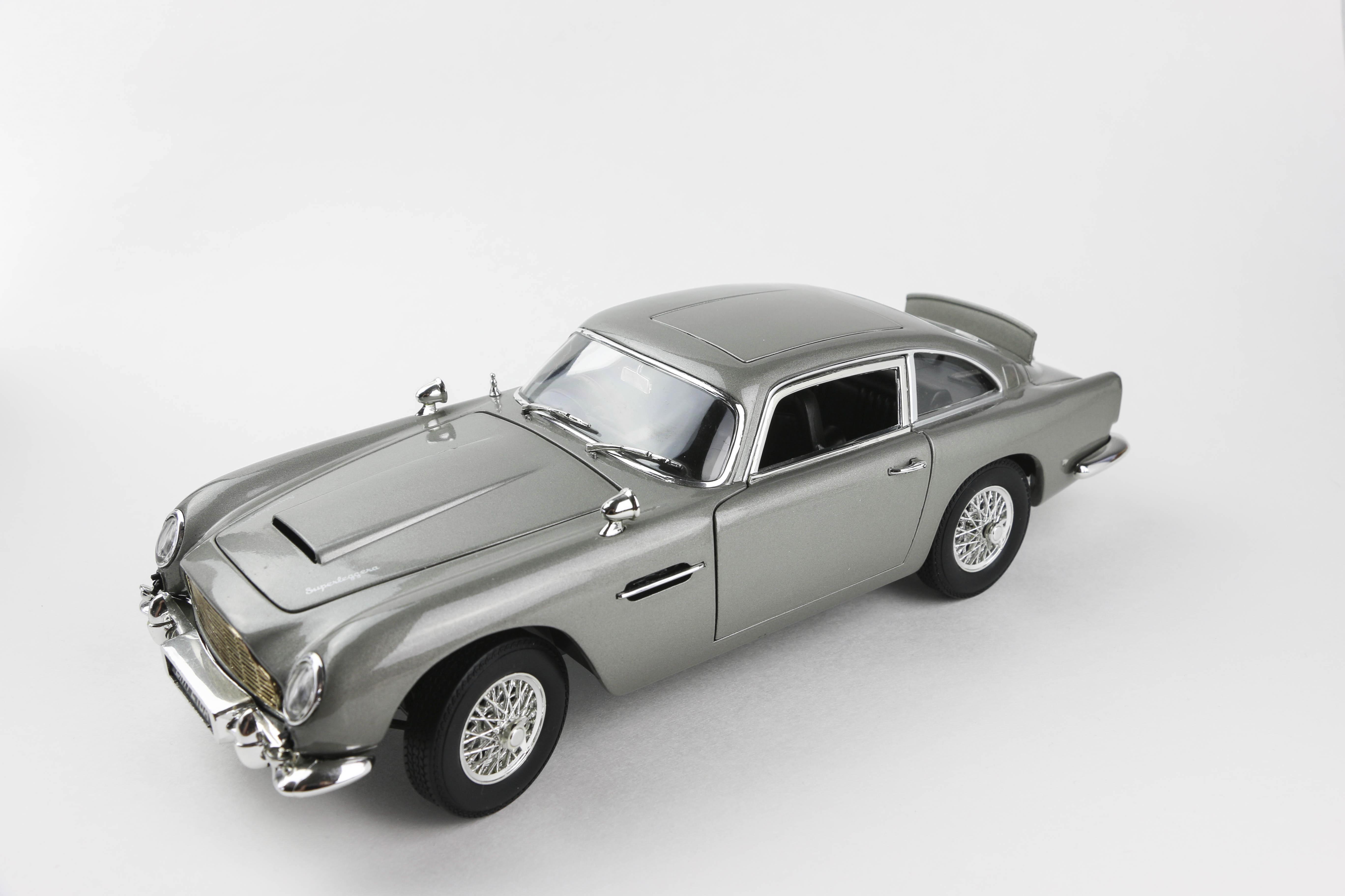 Cars of the Future_Double_James Bond Car_3.jpg