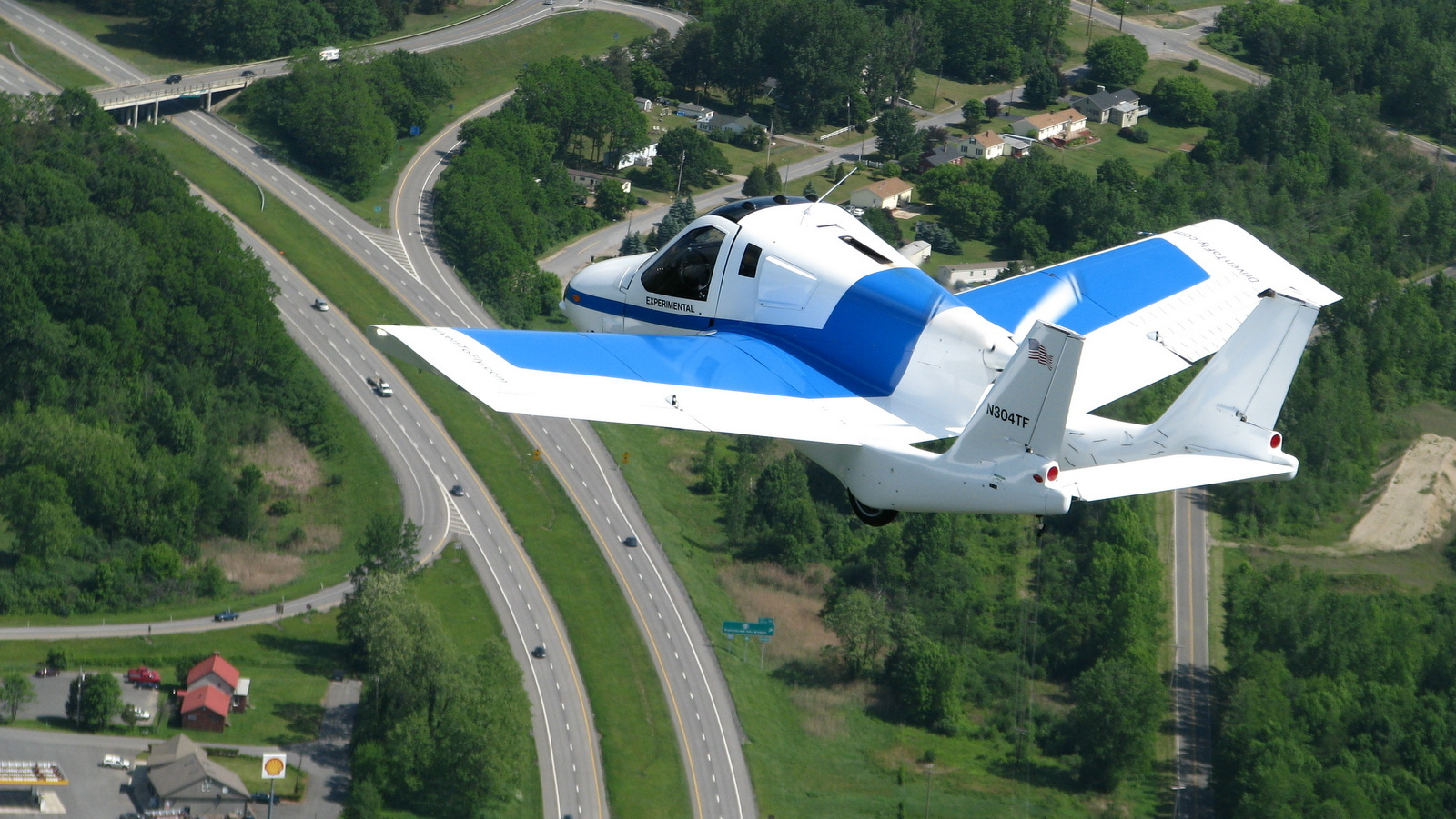 Terrafugia Flying Car 1.jpg