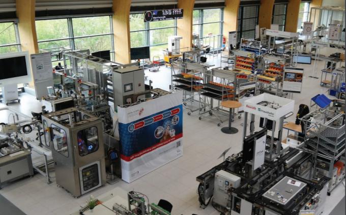 University Engineering Programs_SmartFactoryOWL.png