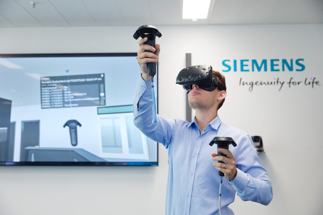 Virtual reality and augmented reality help automotive engineers collaborate in virtual spaces.