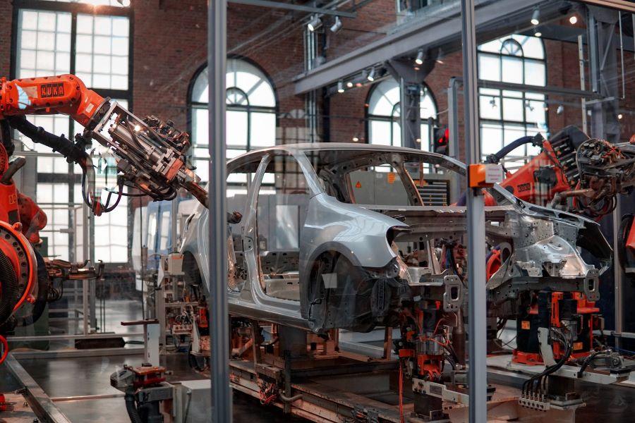 robotic OLP car manufacturing