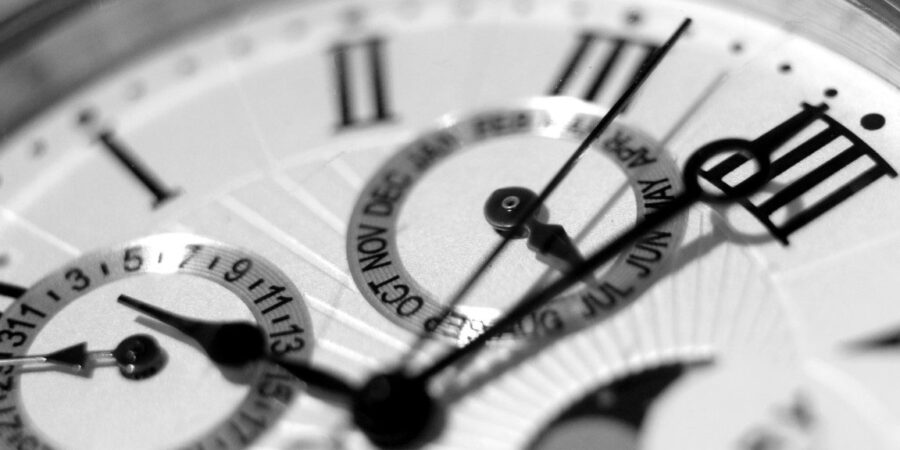 dial on analog watch