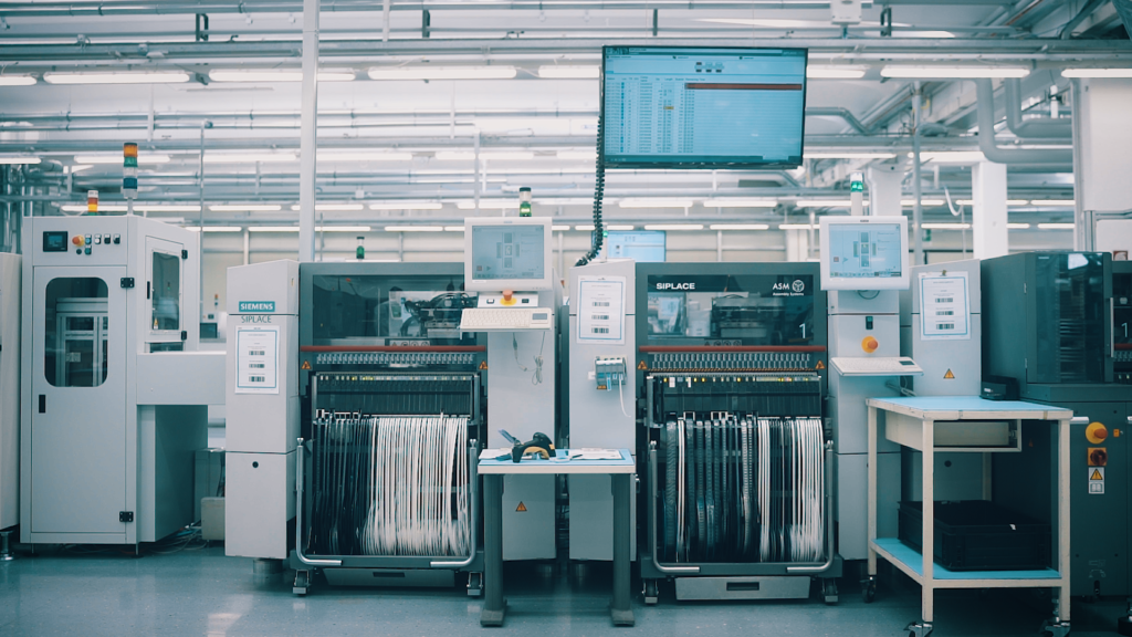Smart electronics shop floor - Fully automated material management