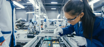 Smart manufacturing enables electronics companies to address the challenges of modern manufacturing.