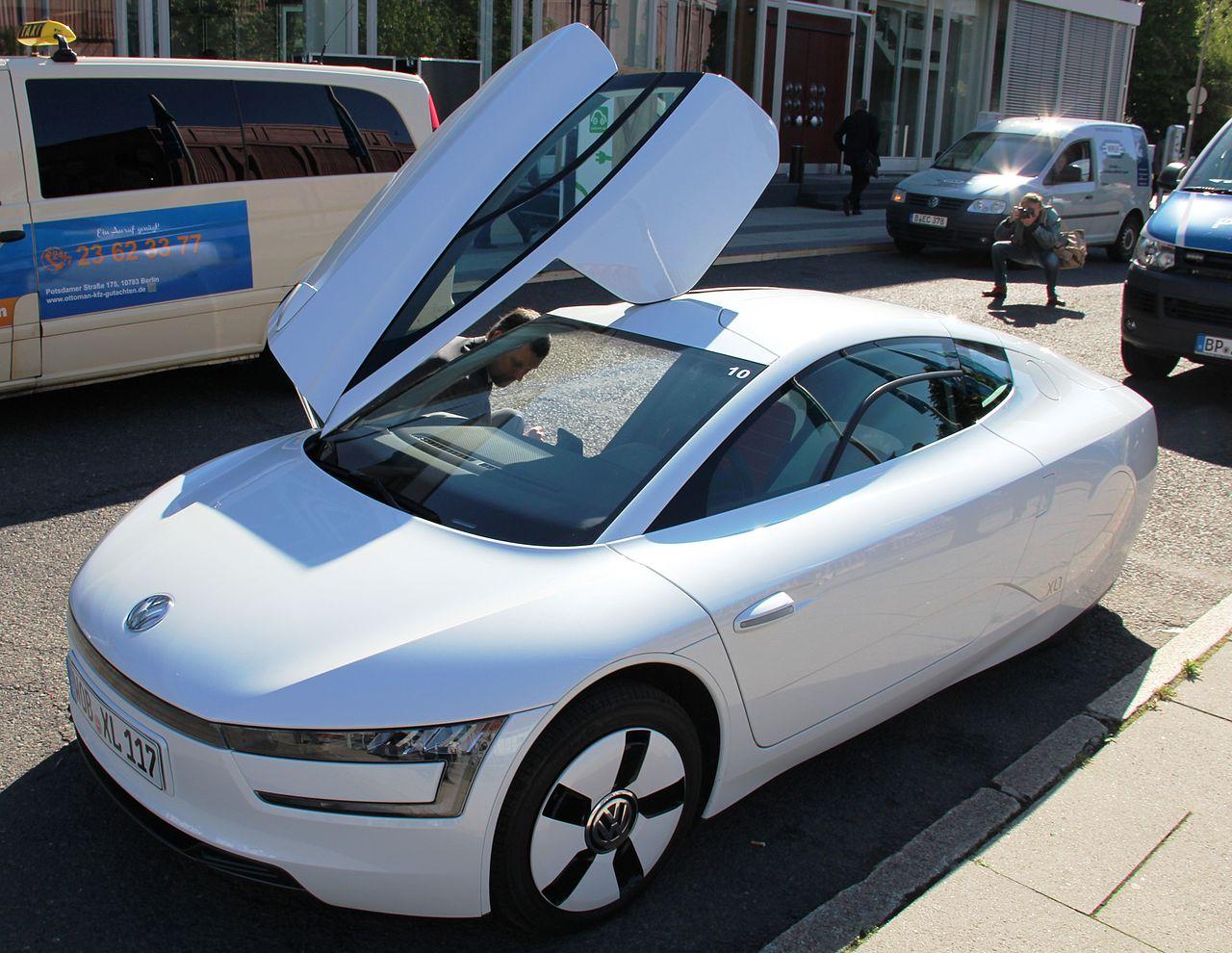 1280px-Volkswagen_XL_driver_side.JPG