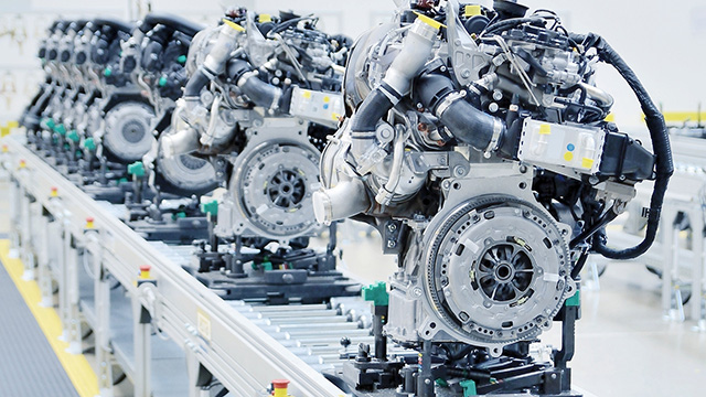 Engines in the production lines ready for vibroacoustic end-of-line testing