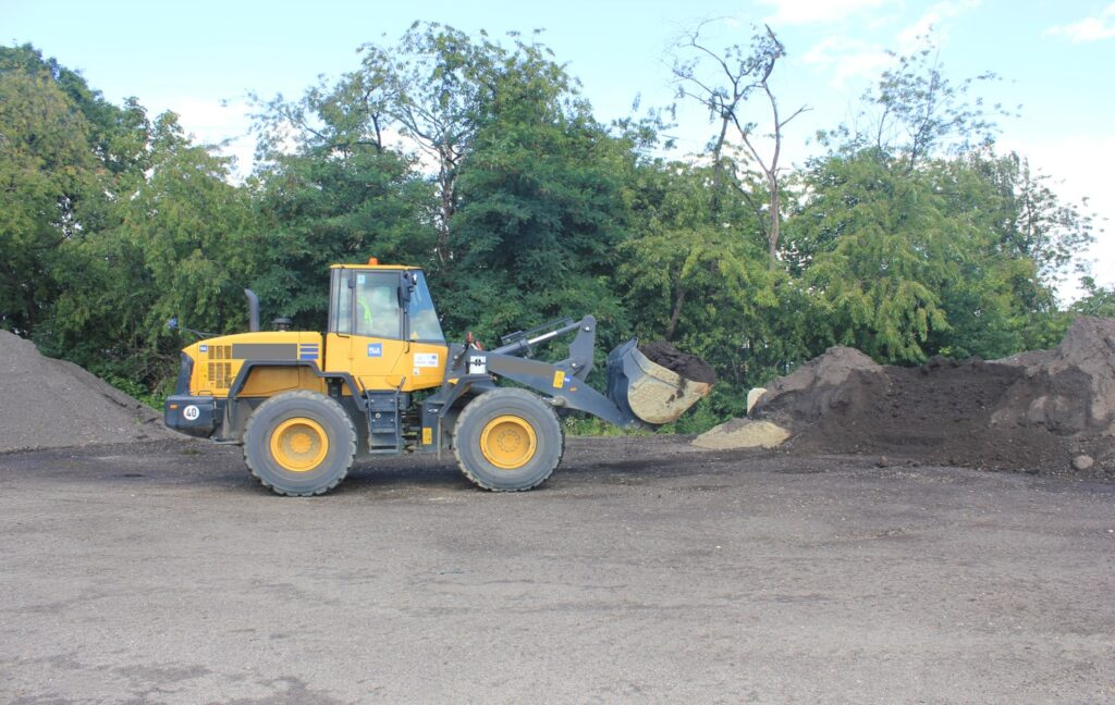 Heavy Equipment NVH testing: Show a wheel-loader in-operation