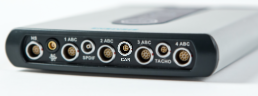 Simcenter SCADAS XS connectors picture. The CAN connector is highlighted with information that it supports both CAN and CAN-FD