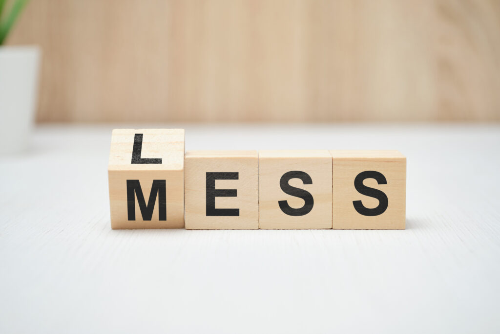 Less vs Mess