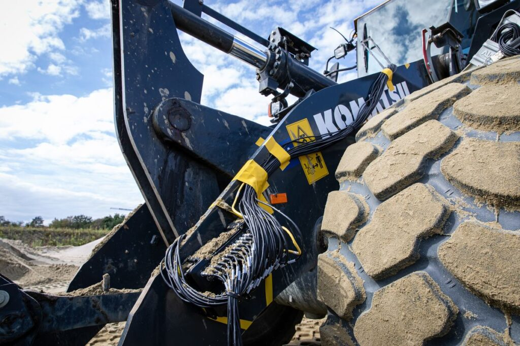 Simcenter SCADAS RS attached to heavy equipment with mud